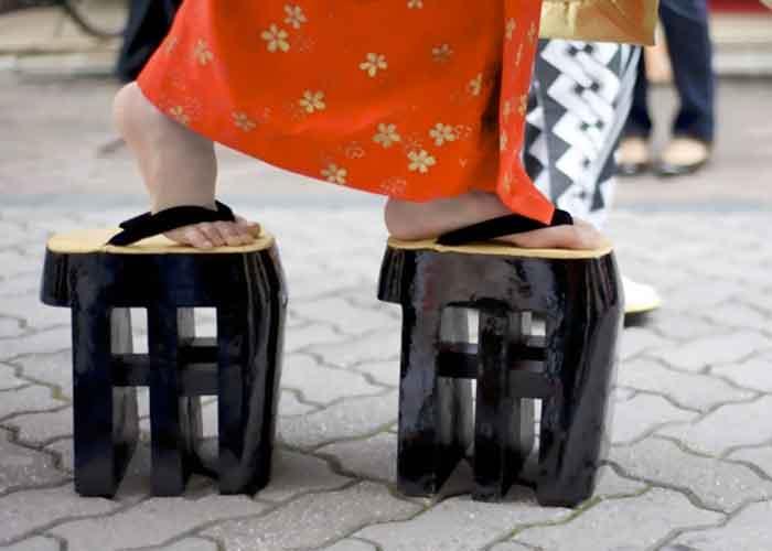 traditionelle japanische Kleidungsstücke Zoris