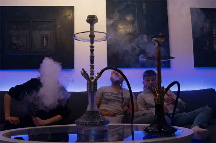 Shisha Tabak rauchen